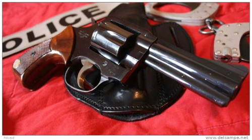 Police municipale, armement, armes, pistolet, revolver